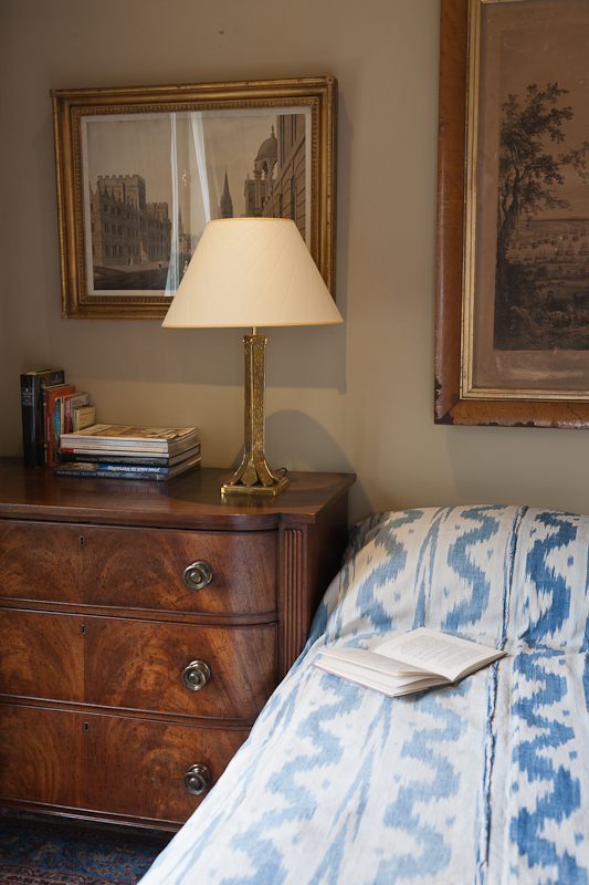 hillsleigh table lamp in brass